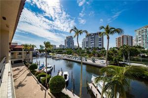 4400 Gulf Shore Blvd N 3-305, Naples, FL 34103