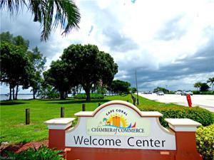 615 25th Ln, Cape Coral, FL 33914