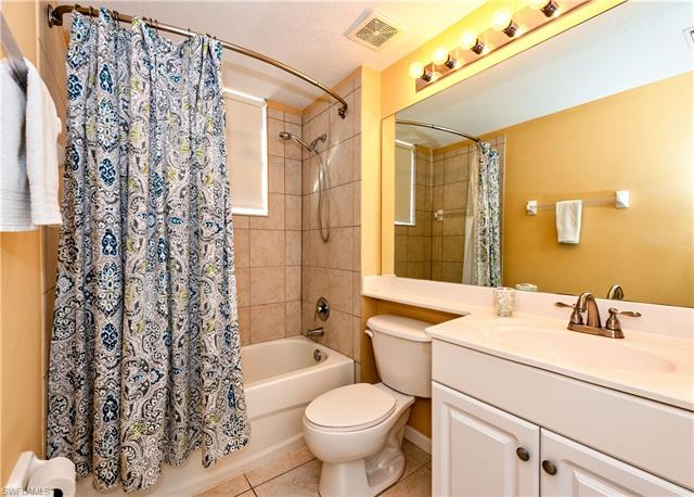 10025 Heather Ln 7-703, Naples, FL 34119