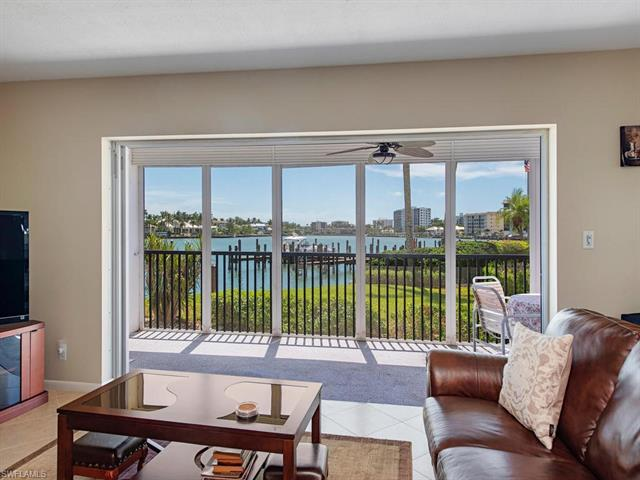 222 Harbour Dr 102, Naples, FL 34103