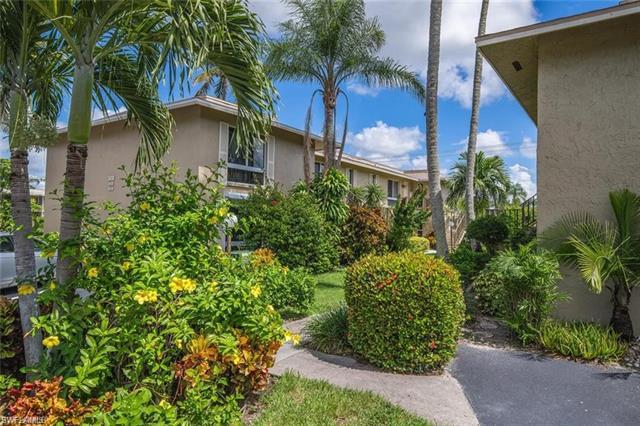 373 Palm Dr 704, Naples, FL 34112