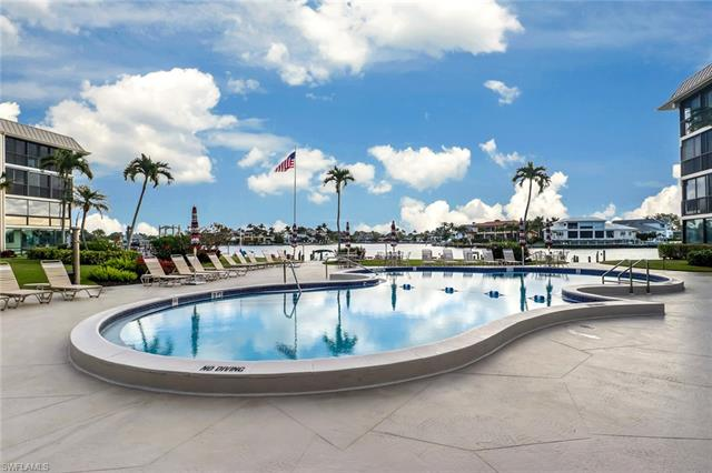 3200 Gulf Shore Blvd N 204, Naples, FL 34103