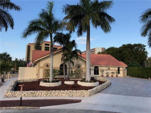900 Montego Ct, Marco Island, FL 34145