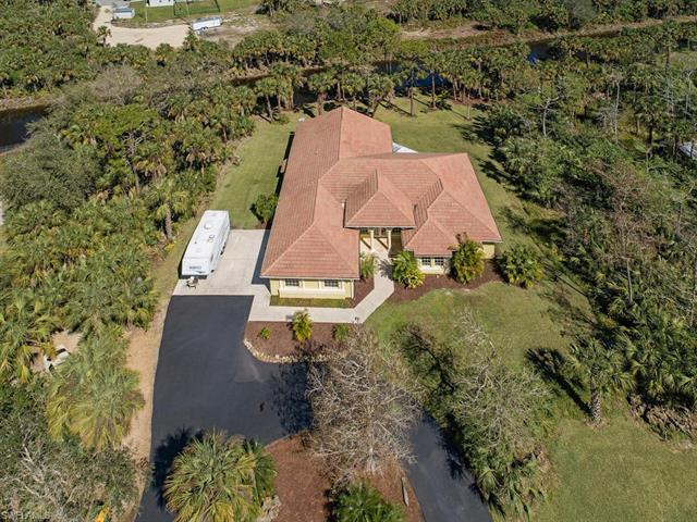 880 5th St Nw, Naples, FL 34120