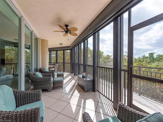445 Cove Tower Dr 302, Naples, FL 34110