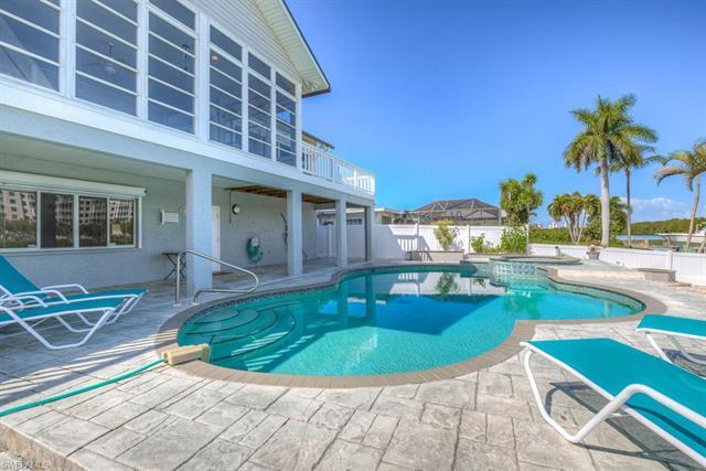 8415 Lagoon Rd, Fort Myers Beach, FL 33931
