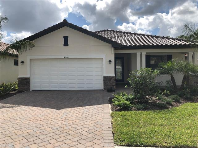 4252 Raffia Palm Cir, Naples, FL 34119