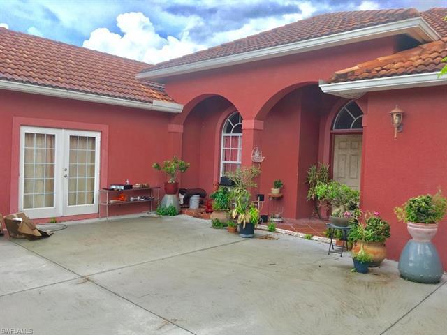 2260 Everglades Blvd S, Naples, FL 34117