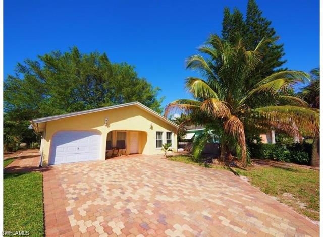 509 104th Ave N, Naples, FL 34108