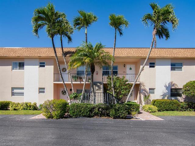 609 Palm View Dr 10, Naples, FL 34110