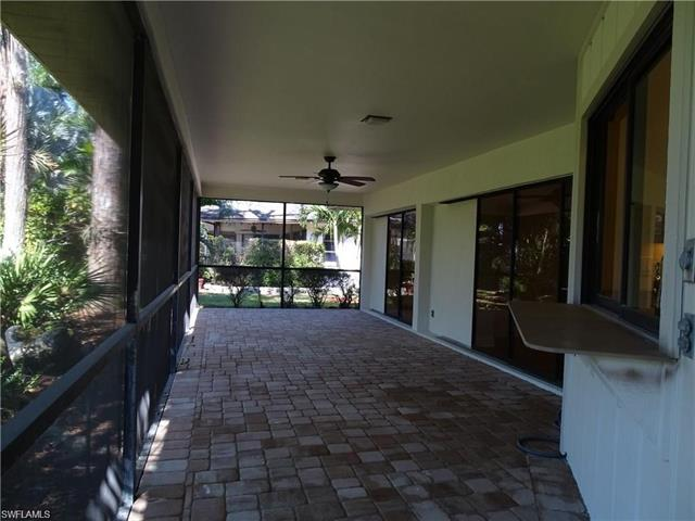 3043 Round Table Ct, Naples, FL 34112