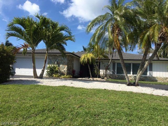 575 Ketch Dr, Naples, FL 34103