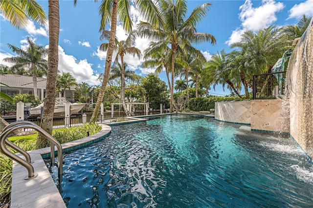 440 15th Ave S, Naples, FL 34102