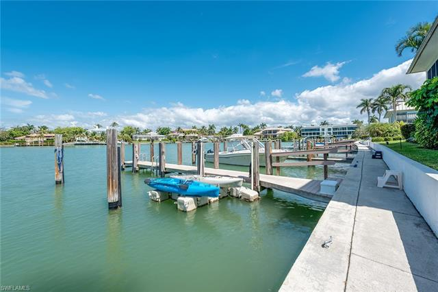 333 Harbour Dr 108, Naples, FL 34103