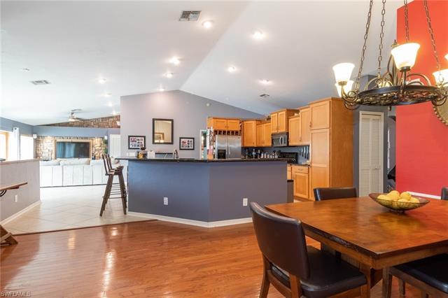 1466 Winkler Ave, Fort Myers, FL 33901