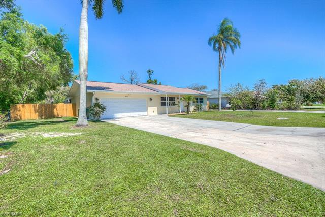 675 104th Ave N, Naples, FL 34108
