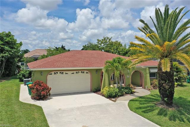 2569 Clipper Way, Naples, FL 34104