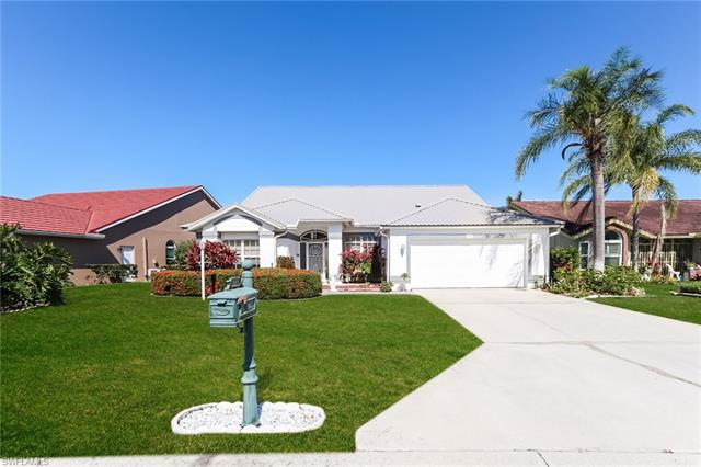 257 Countryside Dr, Naples, FL 34104