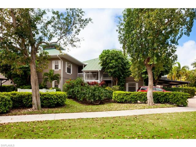 700 West Lake Dr 6, Naples, FL 34102