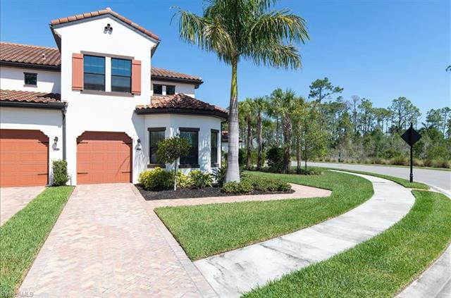 15137 Palmer Lake Cir 103, Naples, FL 34109