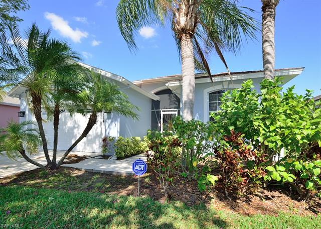714 Crossfield Cir, Naples, FL 34104