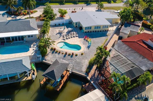 111 Estrellita Dr, Fort Myers Beach, FL 33931