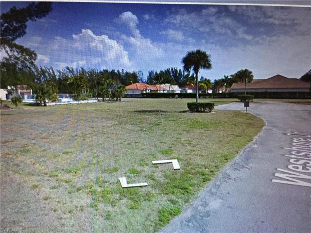6284 Westshore Dr, Fort Myers, FL 33907