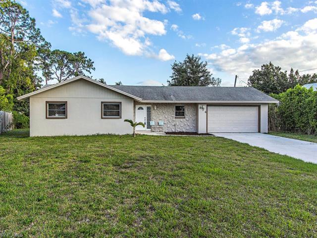 874 W Valley Dr, Bonita Springs, FL 34134