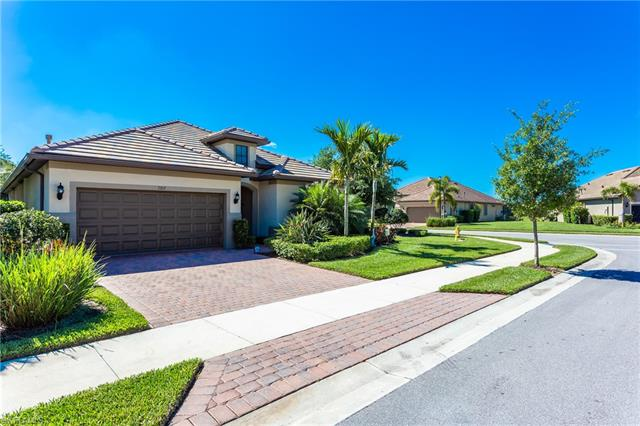 7267 Live Oak Dr, Naples, FL 34114