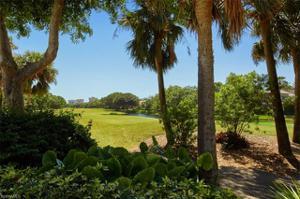6971 Greentree Dr, Naples, FL 34108