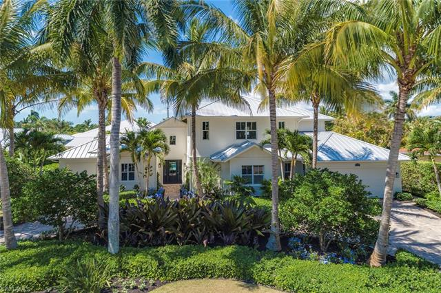 539 Rudder Rd, Naples, FL 34102