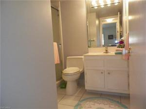 5 High Point Cir W 202, Naples, FL 34103
