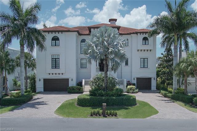 418 Bayside Ave, Naples, FL 34108
