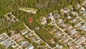 188 6th St, Naples, FL 34113