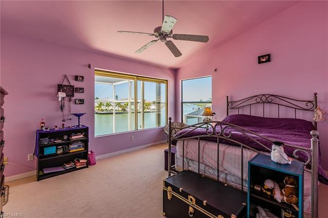 721 Rockport Ct, Marco Island, FL 34145