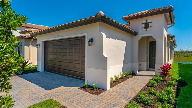 8760 Madrid Cir, Naples, FL 34104