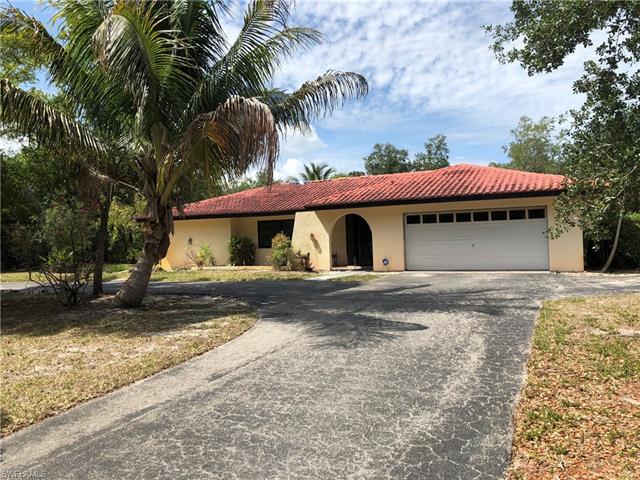 172 Hickory Rd, Naples, FL 34108