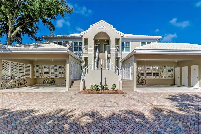 5898 Chanteclair Dr 421, Naples, FL 34108
