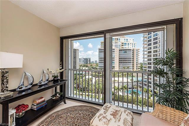 4401 Gulf Shore Blvd N C-804, Naples, FL 34103