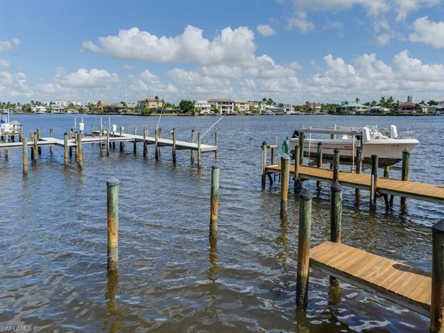9486 Gulf Shore Dr A-201, Naples, FL 34108