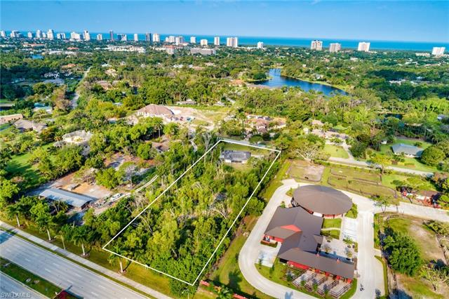 170 Ridge Dr, Naples, FL 34108