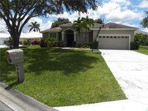701 Meyer Dr, Naples, FL 34120