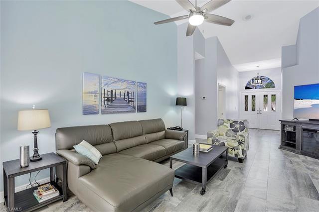 6782 Berwick Pl, Naples, FL 34104