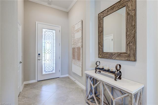 4220 Raffia Palm Cir, Naples, FL 34119