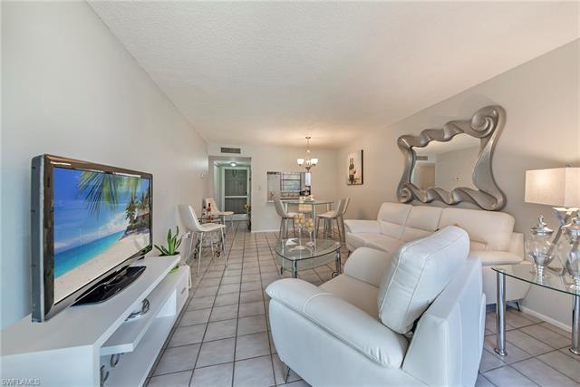 200 Turtle Lake Ct 106, Naples, FL 34105