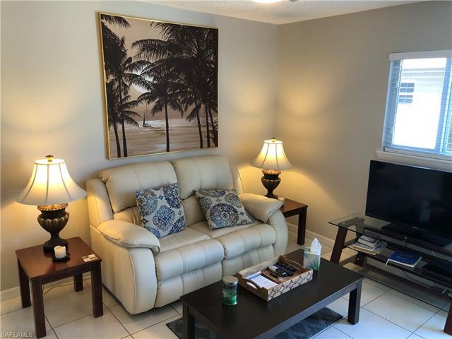 660 108th Ave N 2, Naples, FL 34108