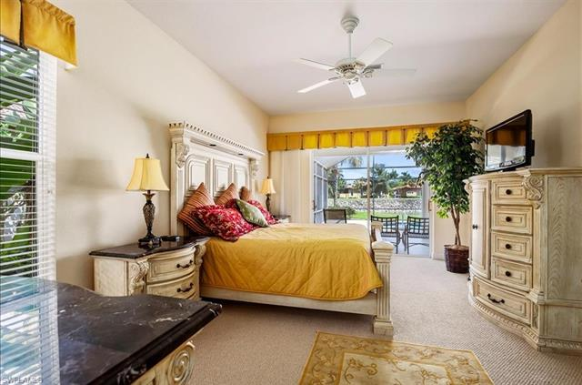 8848 Mustang Island Cir, Naples, FL 34113