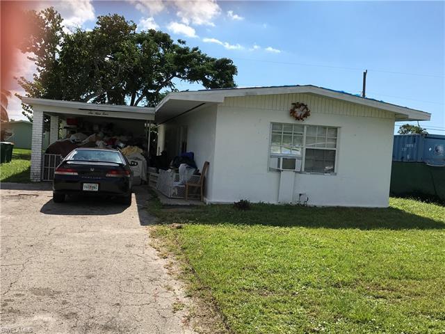 694 97th Ave N, Naples, FL 34108