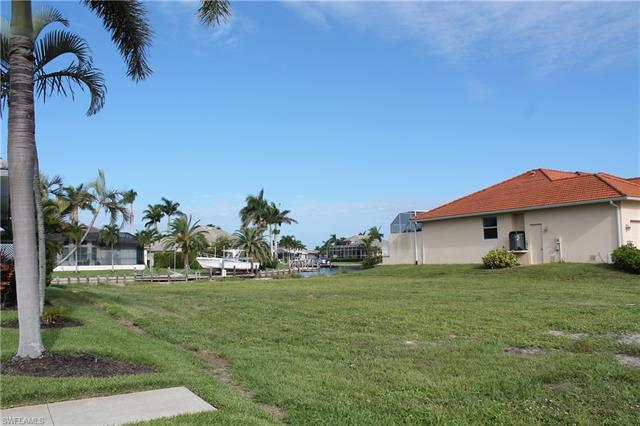 211 Landmark St, Marco Island, FL 34145