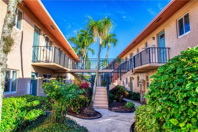 185 Palm Dr 18-p, Naples, FL 34112